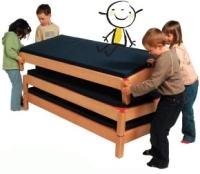 Stapelbetten aus Holz
