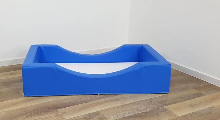 """Stapelbares Schaumstoffbettchen """"Krabbels"""" (= mit seitlicher Aussparung), Liegefläche 50x100 cm (Ausführung wählen)"""