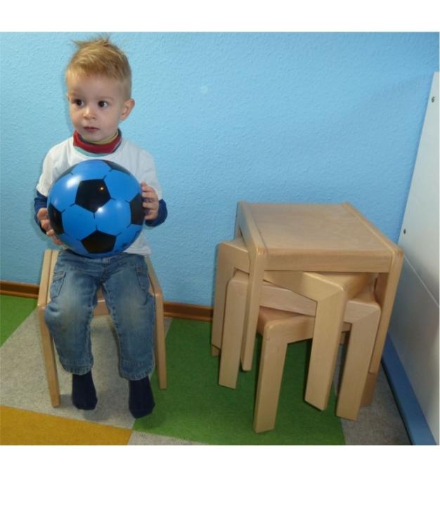Hocker, versetzt stapelbar, Buche massiv (Sitzhöhe 21 - 38 cm)