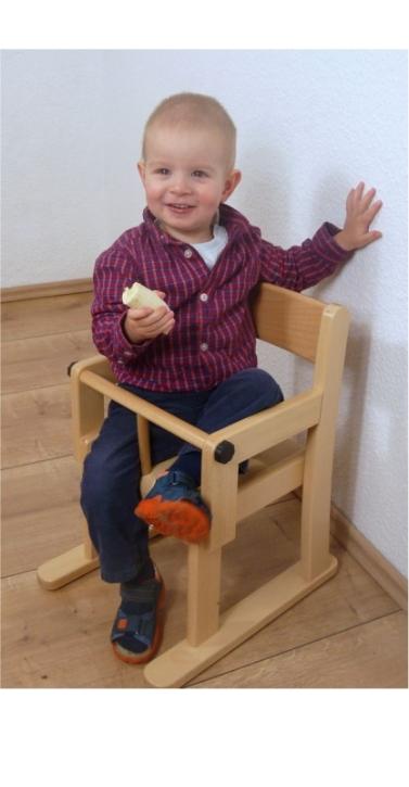 Armlehnenstuhl mit Sicherheitsbügel, Sitzhöhe 22 cm, Kunststoffgleiter