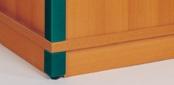 Zubehör: Sockelblende für Stollenschränke