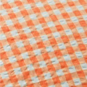 """Bettwäsche aus bügelfreiem Seersucker, """"Karo orange"""", Kissenbezug 40x40 cm, Knopfleiste"""