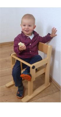 Armlehnenstuhl mit Sicherheitsbügel, Sitzhöhe 22 cm, Filzgleiter